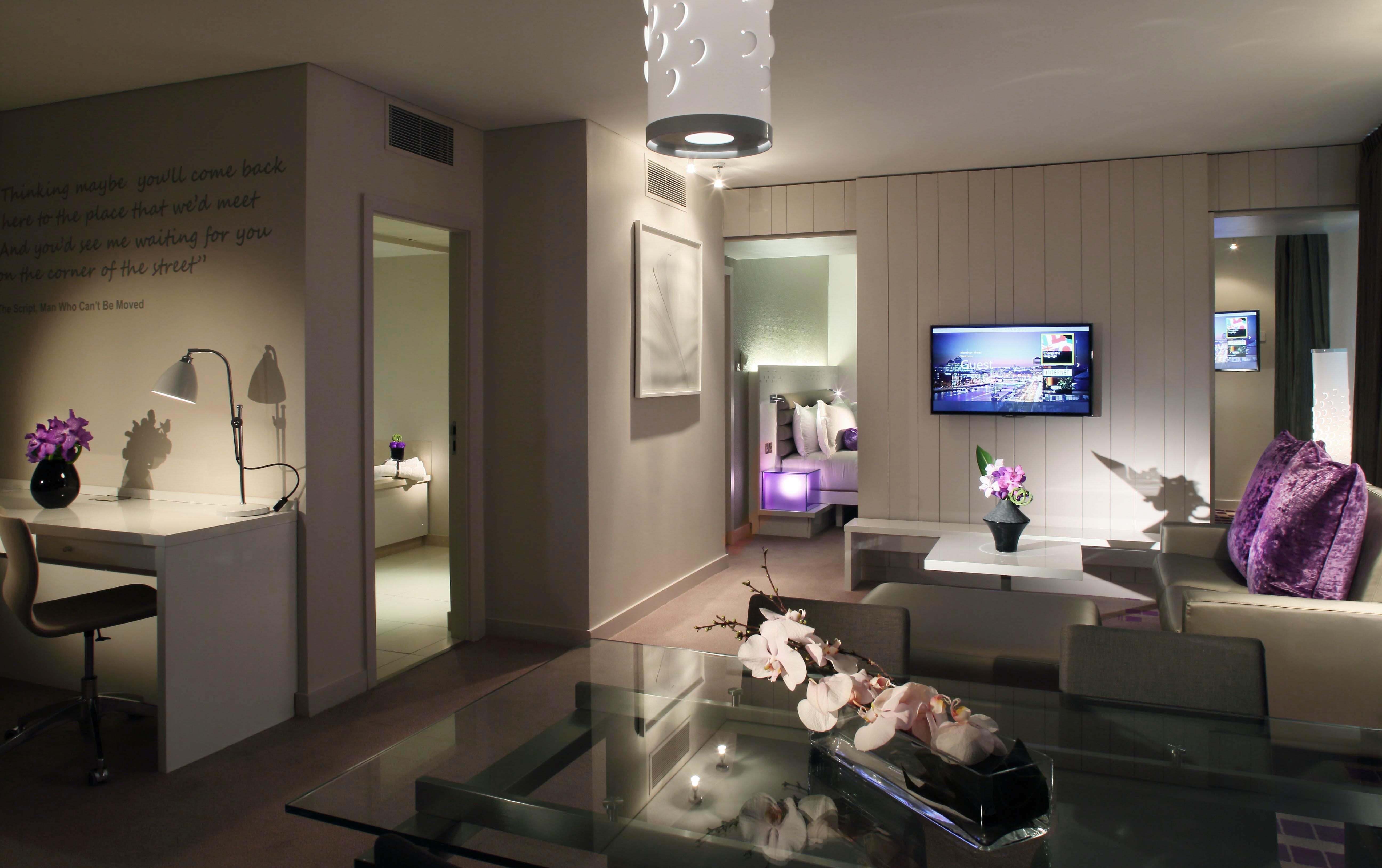 Hotel Fitout-Morrison Hotel-Suite