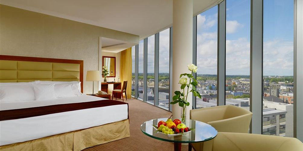Hotel Fitout-Sheraton Athlone-Tower Bedroom