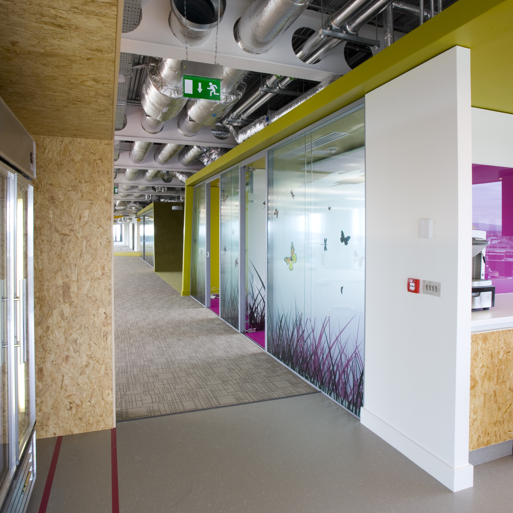 OfficeFitout_Google Docks Dublin-Corridor Booths