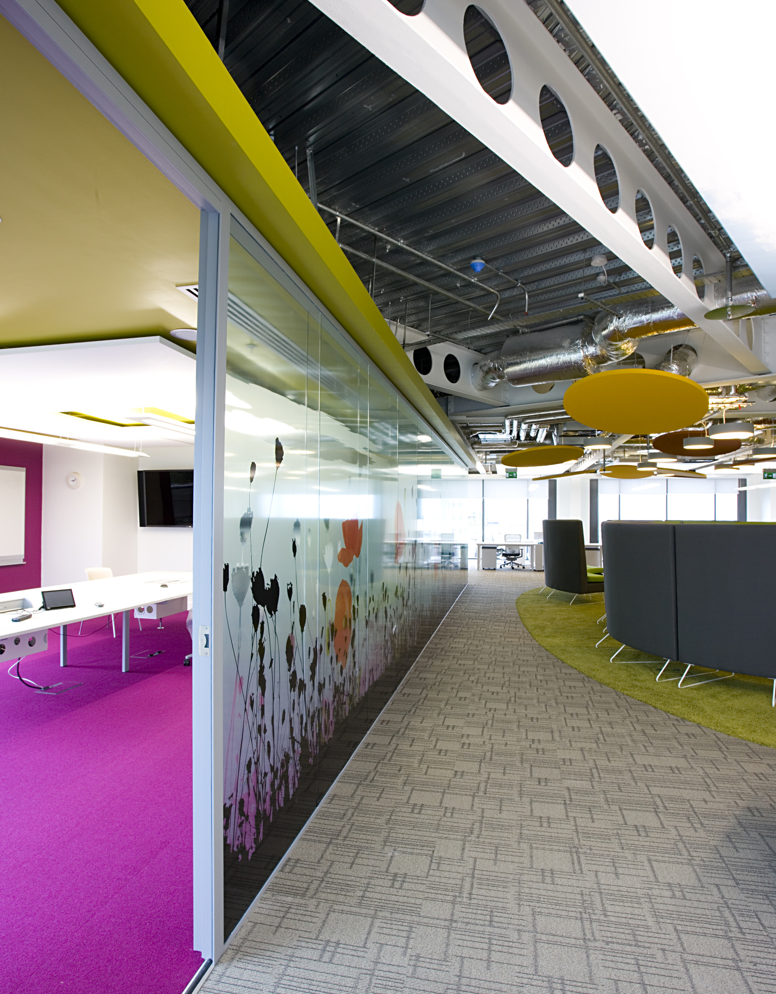 OfficeFitout_Google Docks Dublin-Meeting Room and Breakout